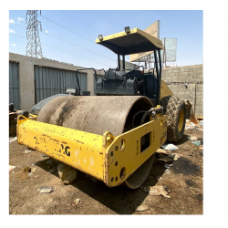 Roller Compactor, Bomag roller, in good condition, Model 2012, available in Riyadh, for sell